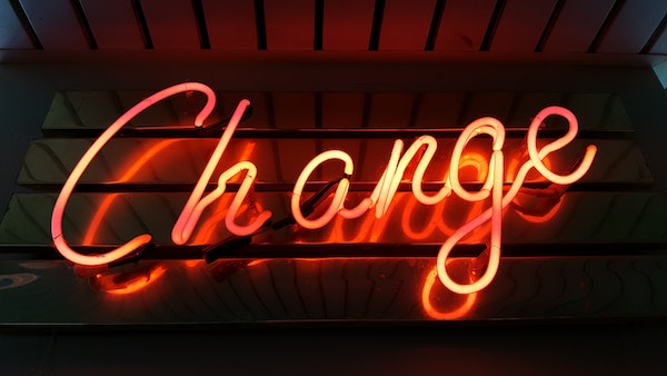 Change in neon